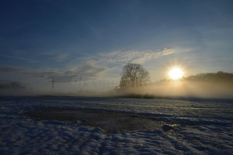 Восход солнца утра после замерзая ночи стоковое фото