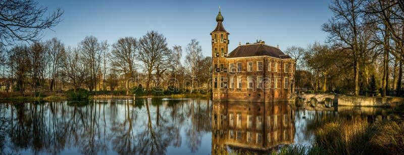 вода замока стоковая фотография