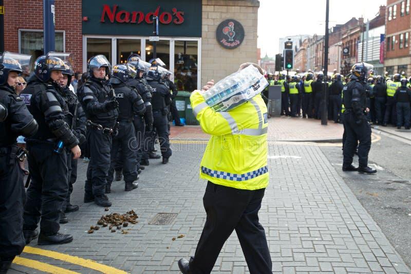 Вода полиции по охране общественного порядка получая стоковые фотографии rf