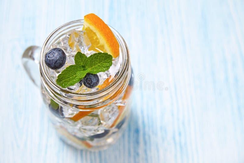 Вода приправленная плодоовощ стоковая фотография
