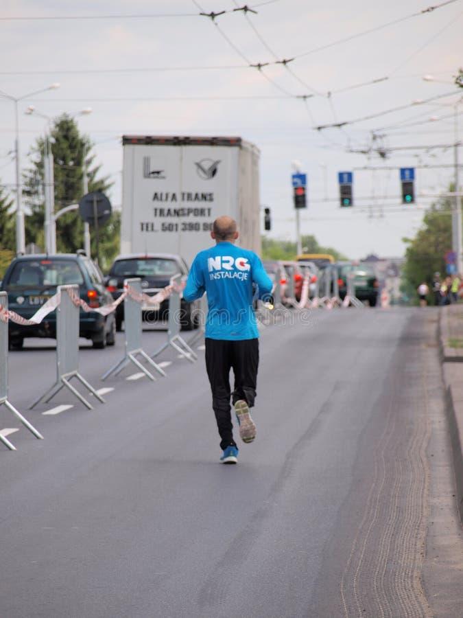 Download Во-вторых марафон Люблина, Люблин, Польша Редакционное Стоковое Фото - изображение насчитывающей напольно, вторых: 40581438