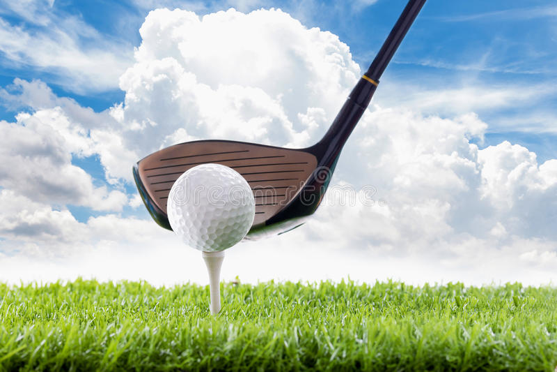 Водитель с шаром для игры в гольф стоковое фото rf