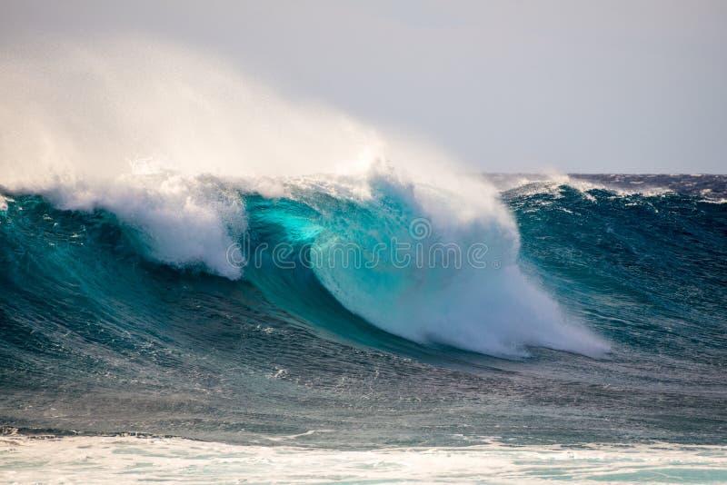 Волна и брызг стоковая фотография rf
