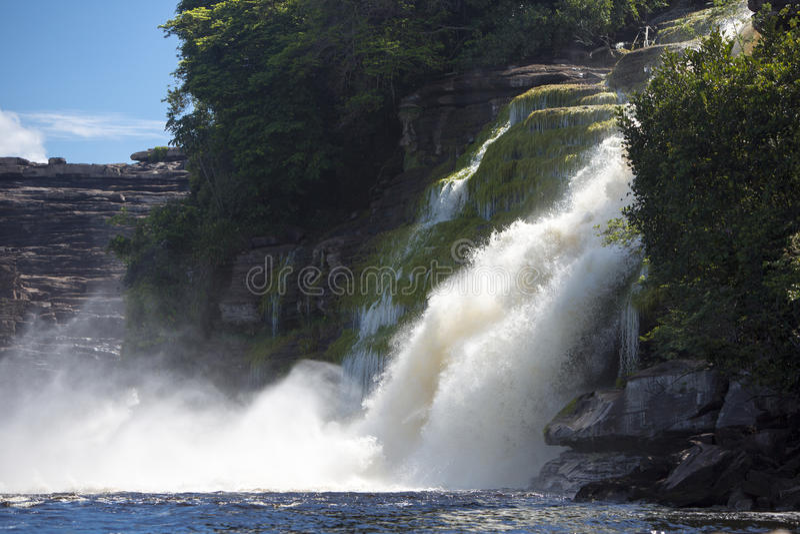 Водопад в лагуне Canaima, Венесуэла стоковая фотография rf