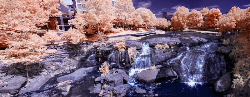Водопад в инфракрасном стоковое изображение