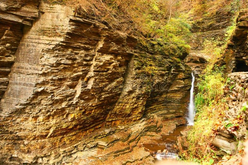 Водопад пещеры на парке штата Watkins Глена стоковое изображение rf