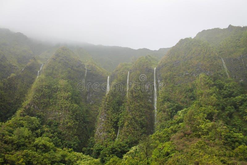 Водопады в Ko'olaus стоковые фотографии rf