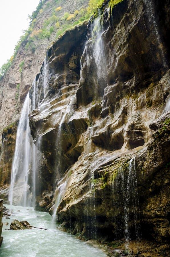 Водопады Chegem взгляда со стороны стоковые изображения rf