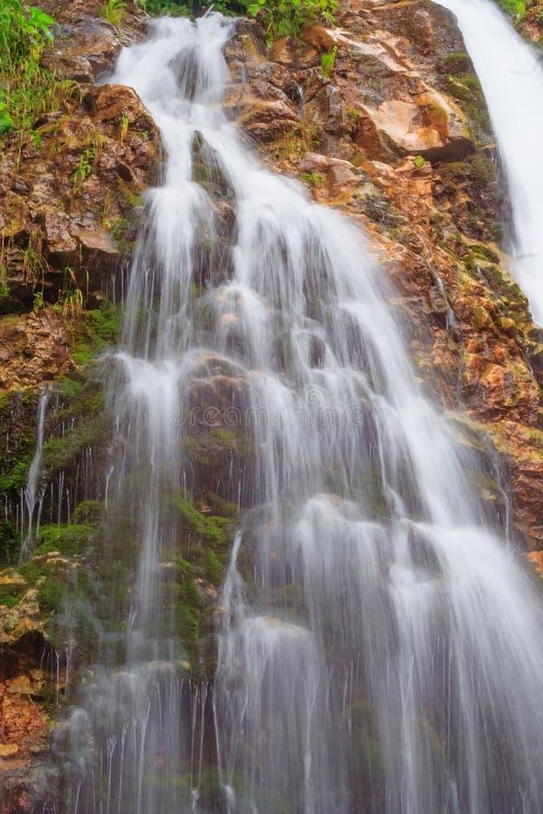 Download Водопад стоковое фото. изображение насчитывающей северно - 37931596