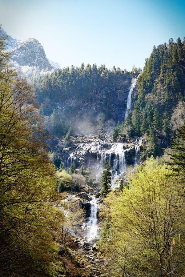 Водопад Ars в Пиренеи в Франции стоковые изображения rf