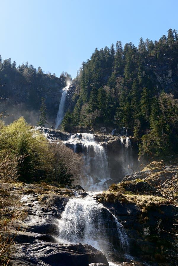 Водопад Ars в Пиренеи в Франции стоковое изображение