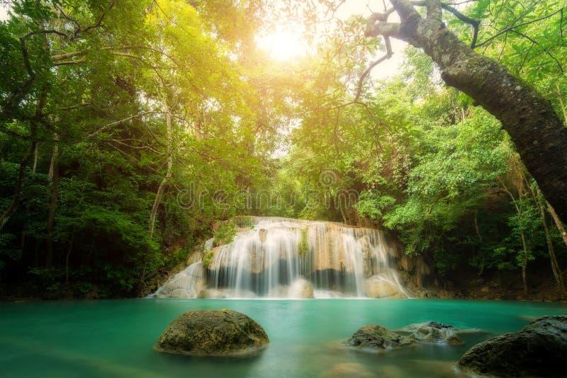 Водопад Erawan большинств красивый водопад в Kanchanaburi стоковые фотографии rf