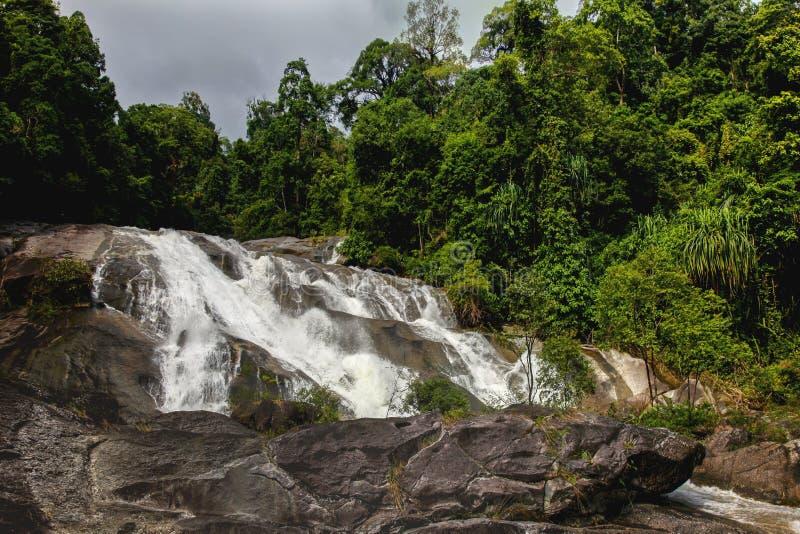 Водопад Karom одна из привлекательностей thammara Nakhon SI стоковое изображение