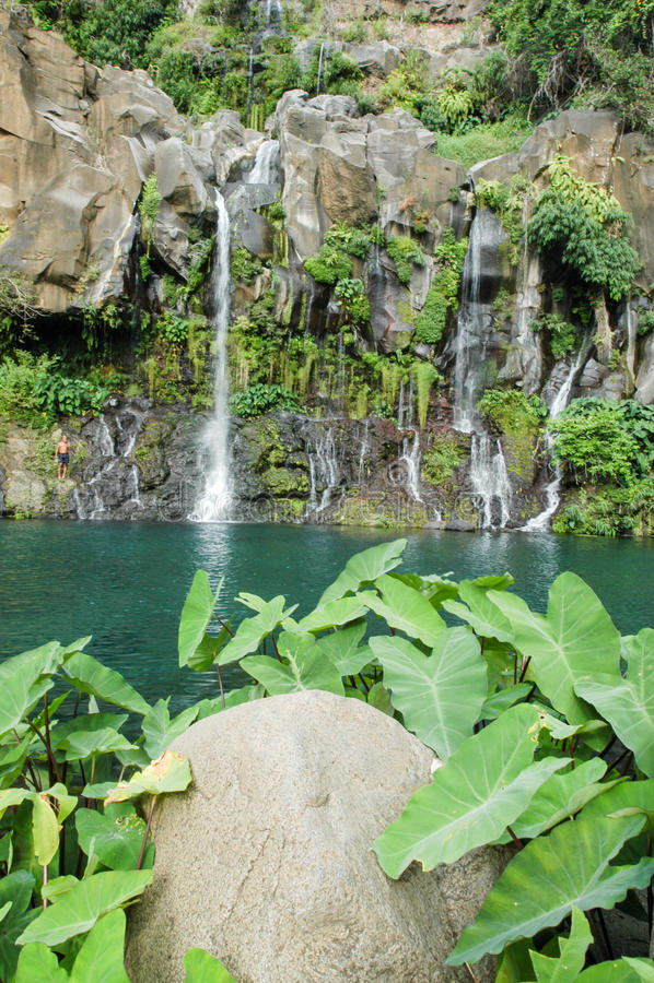 Водопад Les Cormorans на Острове Реюньон, Франции стоковая фотография