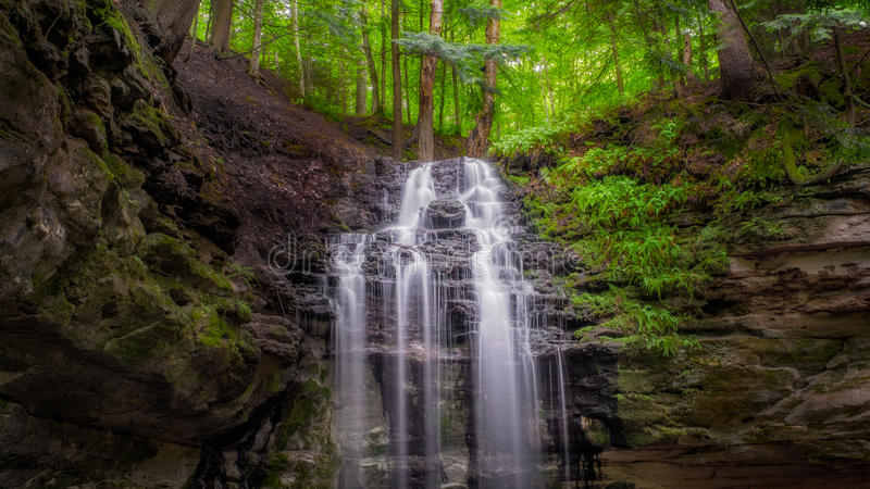 Водопад Munising Мичигана стоковое изображение rf