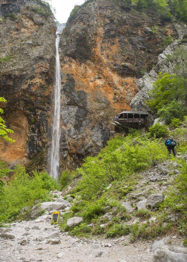Водопад Rinka, долина Logar, Словения стоковая фотография