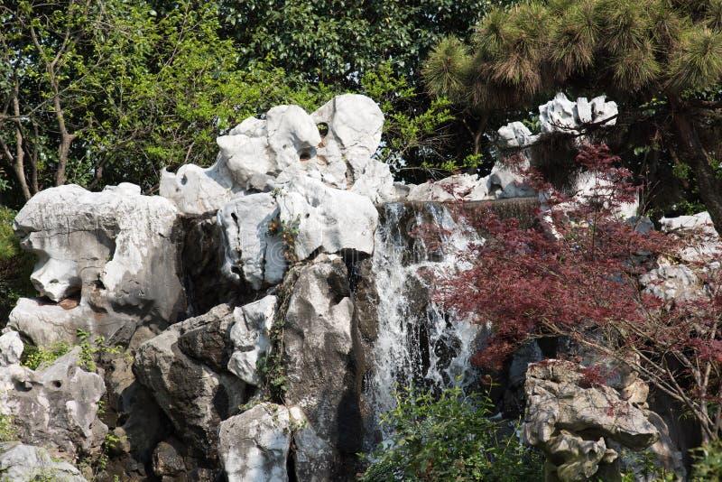 Водопад Rockery стоковые изображения rf