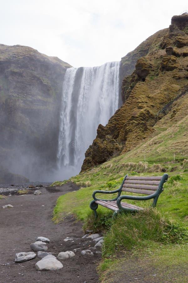 Водопад Skogafoss, южная Исландия стоковая фотография