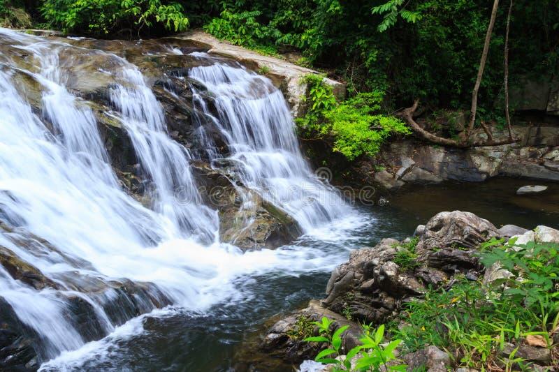 водопад soidao khao стоковые фото
