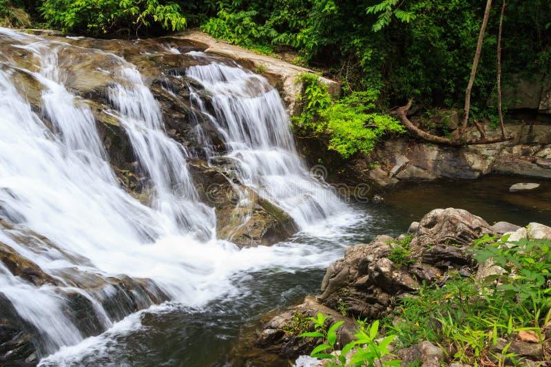 водопад soidao khao стоковые фотографии rf