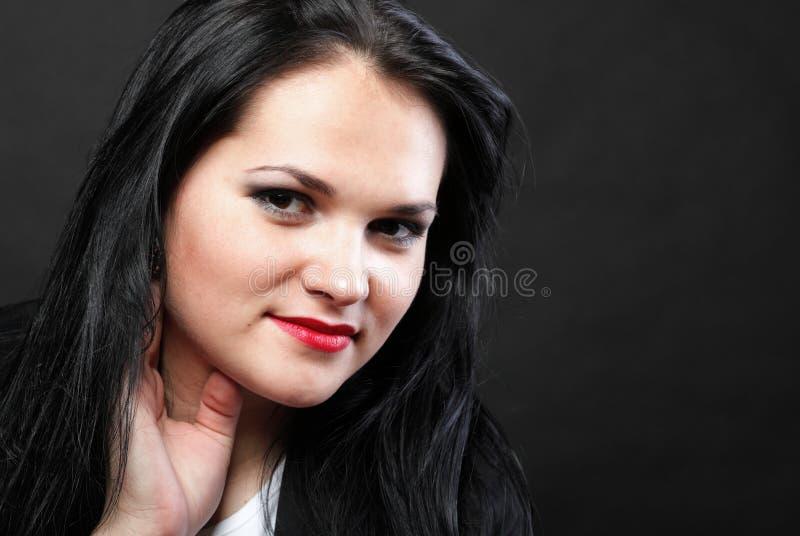 Download Волосы красивой женщины брюнет длинные Стоковое Изображение - изображение насчитывающей длиной, ровно: 33734665