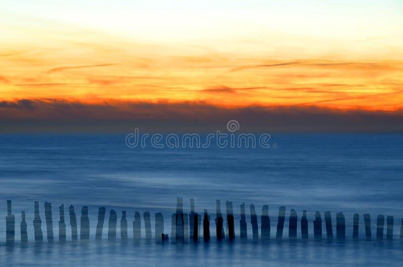 Волшебный заход солнца над морем стоковая фотография rf