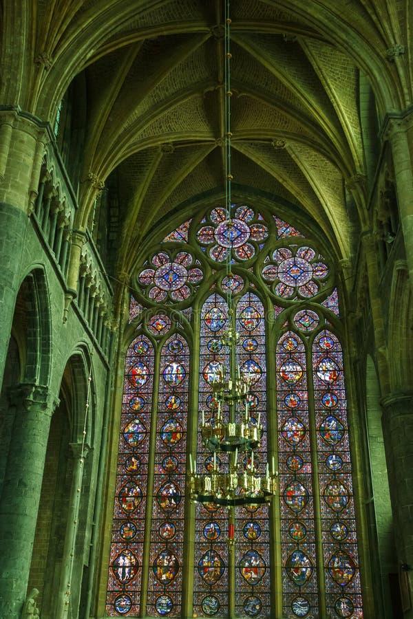 Волшебный свет внутри собора Dinant стоковое изображение