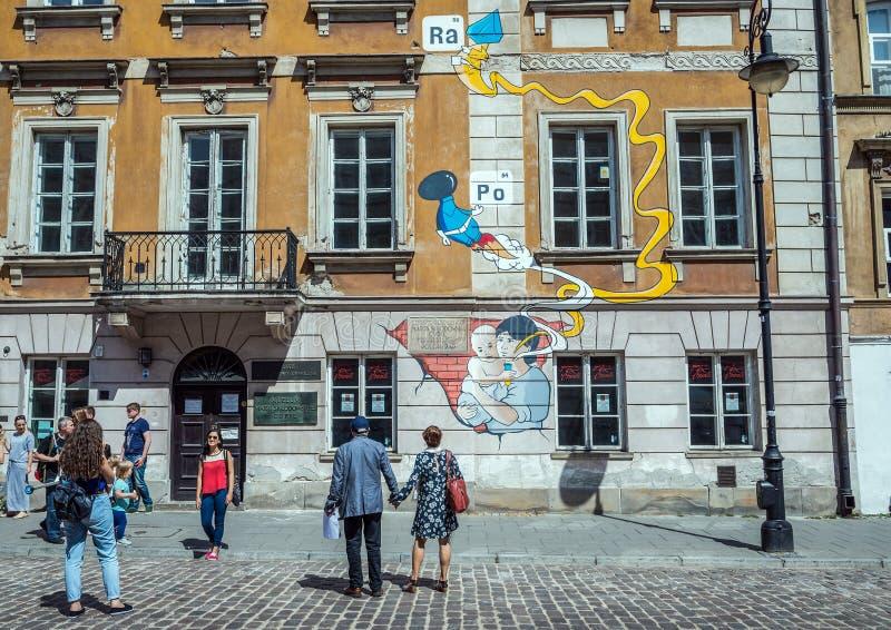 волшебный старый прошлый городок warsaw улиц Польши стоковые изображения
