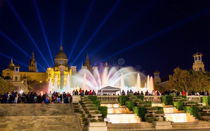 Волшебный фонтан Montjuic в Барселоне стоковые изображения