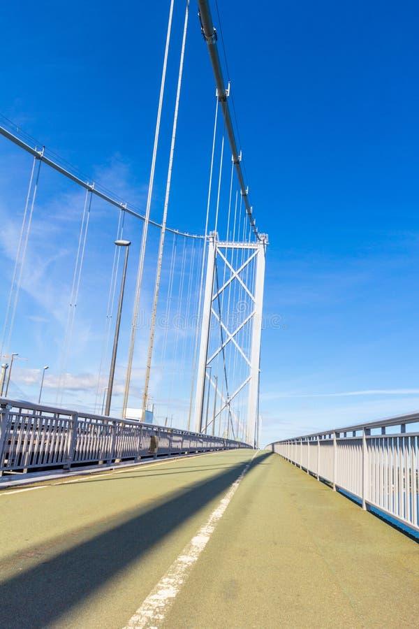 Вперед конец моста дороги вверх, Эдинбург, Шотландия, Великобритания стоковые фото