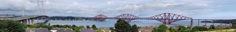 Вперед мосты дороги и рельса стоковое изображение