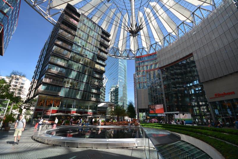 Впечатления от Сони центризуют на квадрате Потсдама, Potsdamer Platz в Берлине начиная с 1-ого июня 2017, Германия стоковое фото