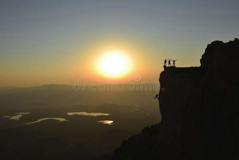 Впечатляющая история успеха в высоких горах стоковые изображения