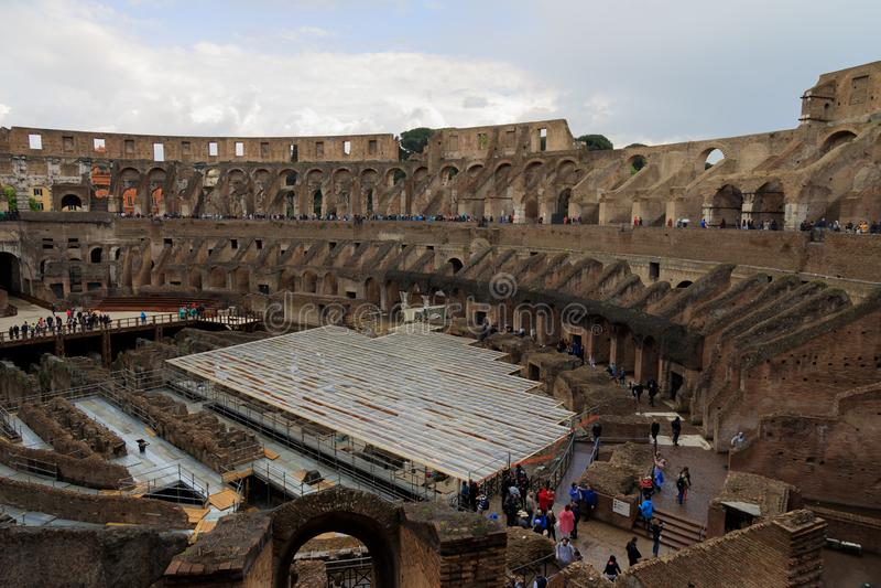 Впечатляющий римский Колизей стоковые изображения