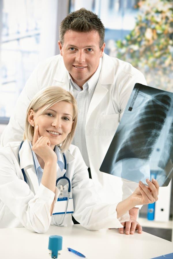 врачует луч портрета изображения медицинский x стоковые фотографии rf