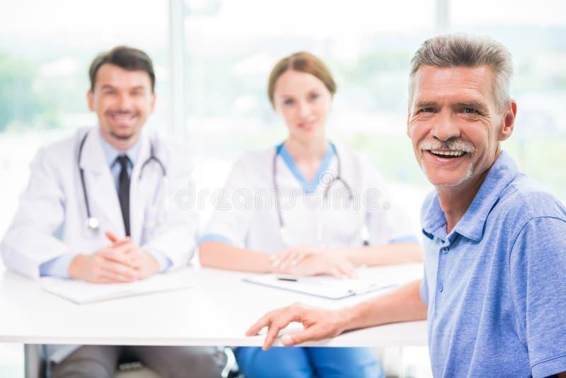 врачуйте пациента стоковое изображение