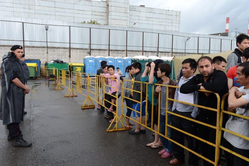 Download Временный лагерь для перемещенных лиц Редакционное Стоковое Фото - изображение насчитывающей открыно, содержит: 41656593