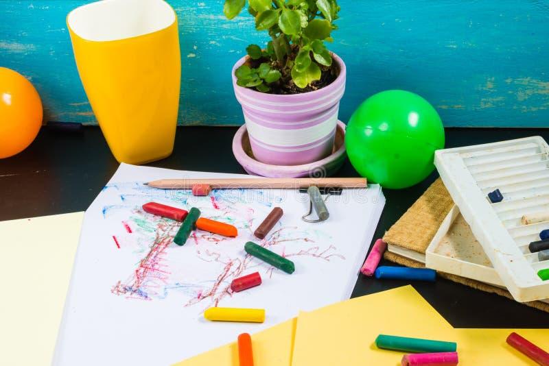 Время ваших детей Учить, воссоздание и искусства стоковое фото