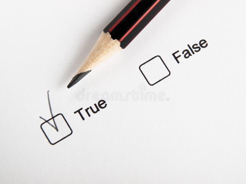 Время выбрать верно ложное стоковое фото rf