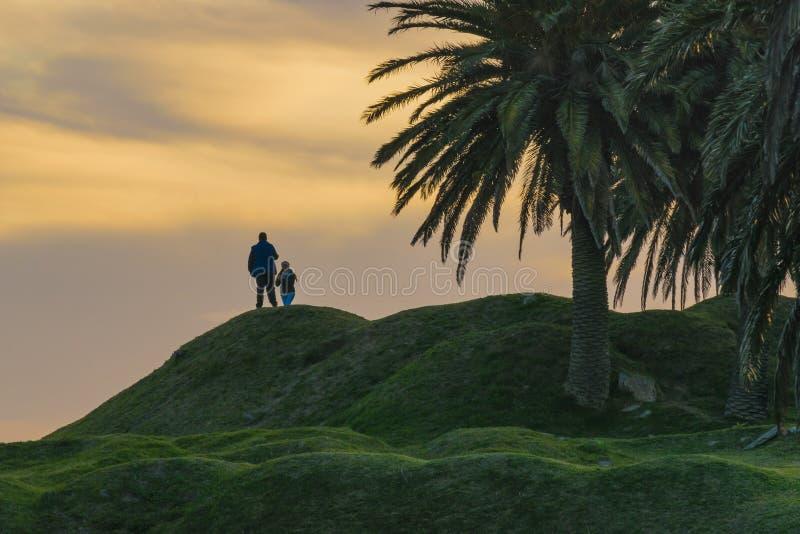Время захода солнца на парке Parque Rodo в Монтевидео Уругвае стоковое изображение