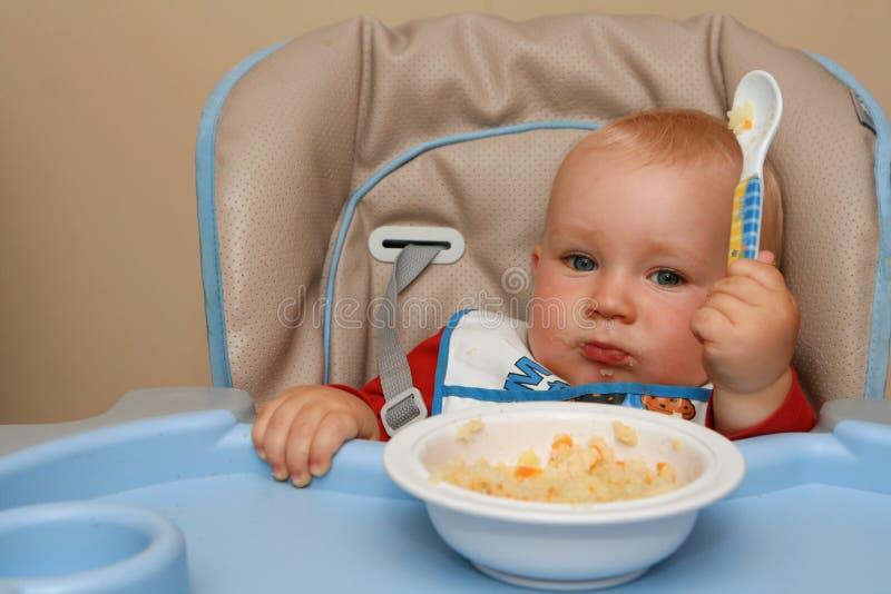 время младенца подавая стоковые изображения rf
