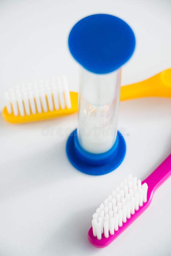 Время почистить ваши зубы щеткой стоковые фото