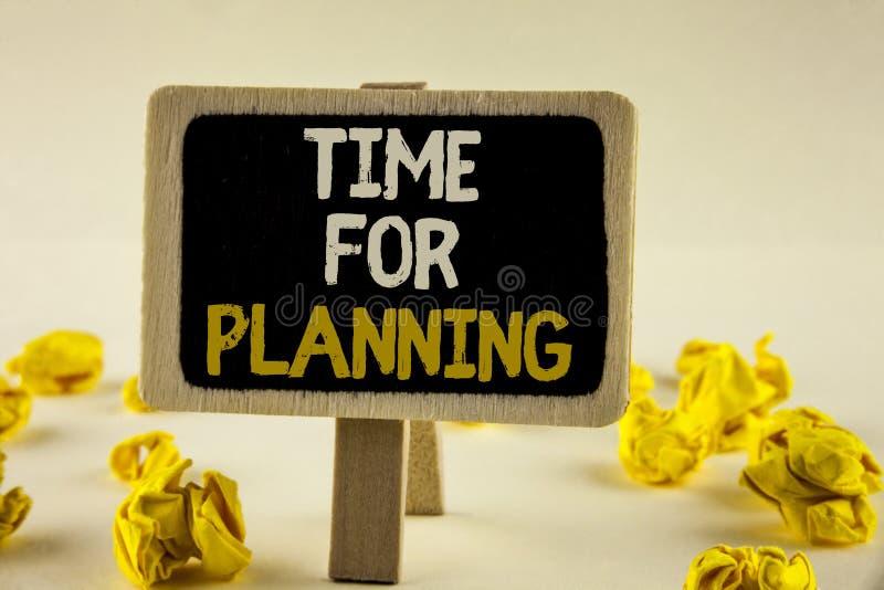 Время текста почерка для планировать Старт смысла концепции проекта принимая решениея организуя план-график написанный на деревян стоковое изображение rf