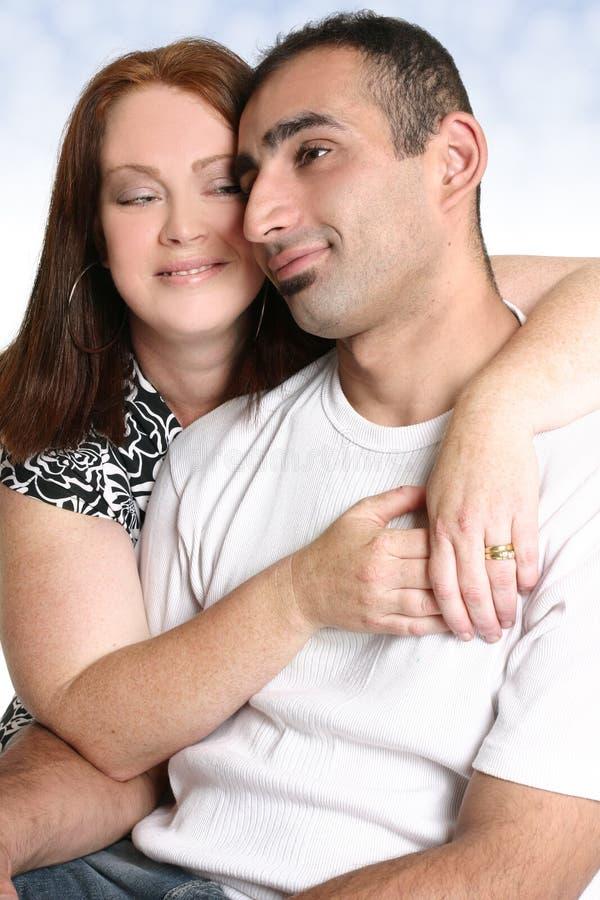 время траты влюбленности пар совместно стоковое фото rf