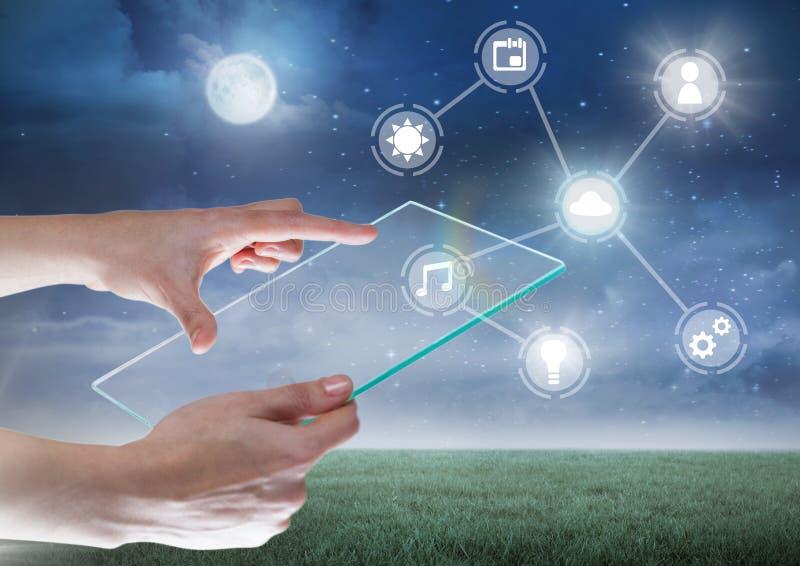 Вручите держать стеклянную таблетку с интерфейсом значков интернета вещей иллюстрация вектора