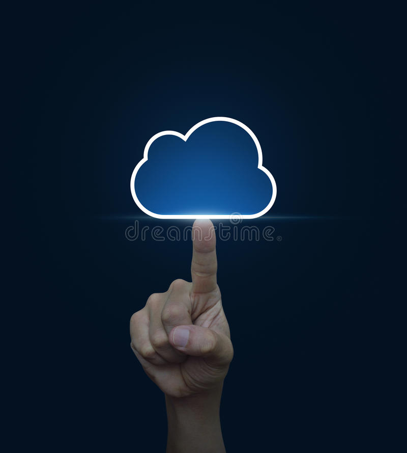 Вручите щелкните дальше значок облака с космосом экземпляра на голубой предпосылке, Clo стоковые фотографии rf