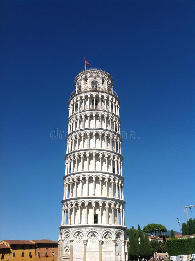 Всемирная известная полагаясь башня Пизы стоковое фото