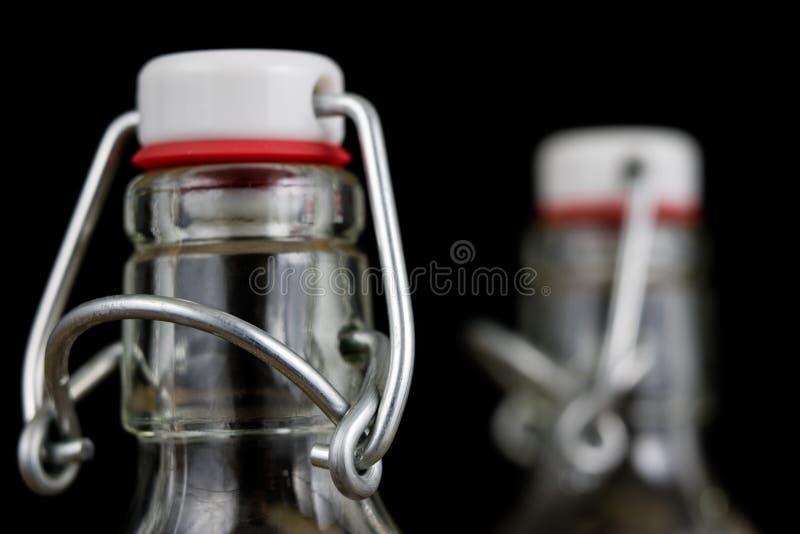 Всеобщее закрытие бутылки напитка Tra воздухонепроницаемой крышки заключительное стоковое фото
