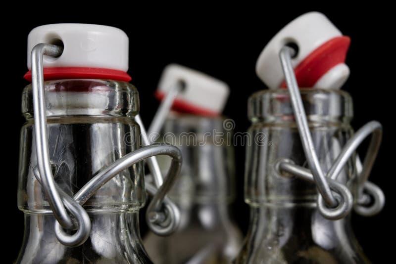 Всеобщее закрытие бутылки напитка Tra воздухонепроницаемой крышки заключительное стоковые фото