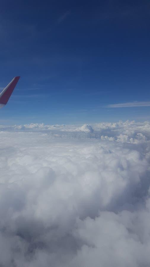 Все выше небо стоковые фото